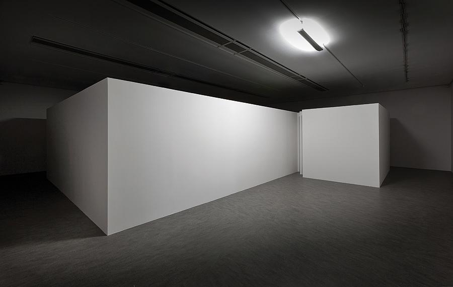 Mirosław Bałka, Knocking, 2014, widok instalacji wCentrum Sztuki Współczesnej Znaki Czasu, dzięki uprzejmości artysty, Fot.Wojciech Olech