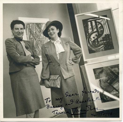 Zdjęcie Teresy Żarnower zPeggy  Guggenheim zwystawy 16 Gouaches zdedykacją dla Annalee iBarnetta Newmanów