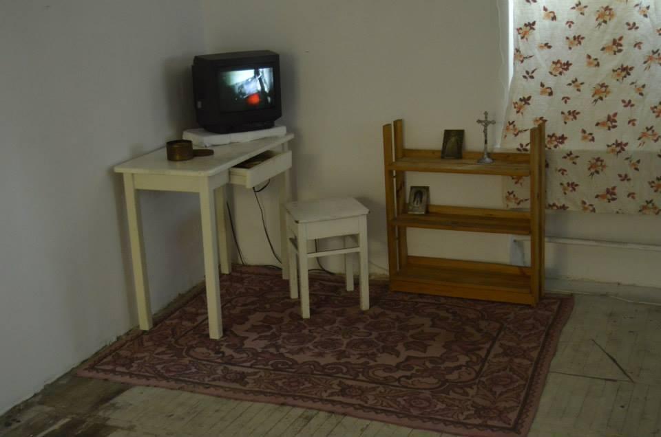 """Mikołaj Sobczak, """"Unheimliche Haus"""", 2013, wideo"""