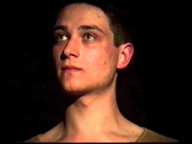"""Wojciech Tubaja, """"Autoportret wwieku 19 lat"""", 2012, kadr zfilmu"""