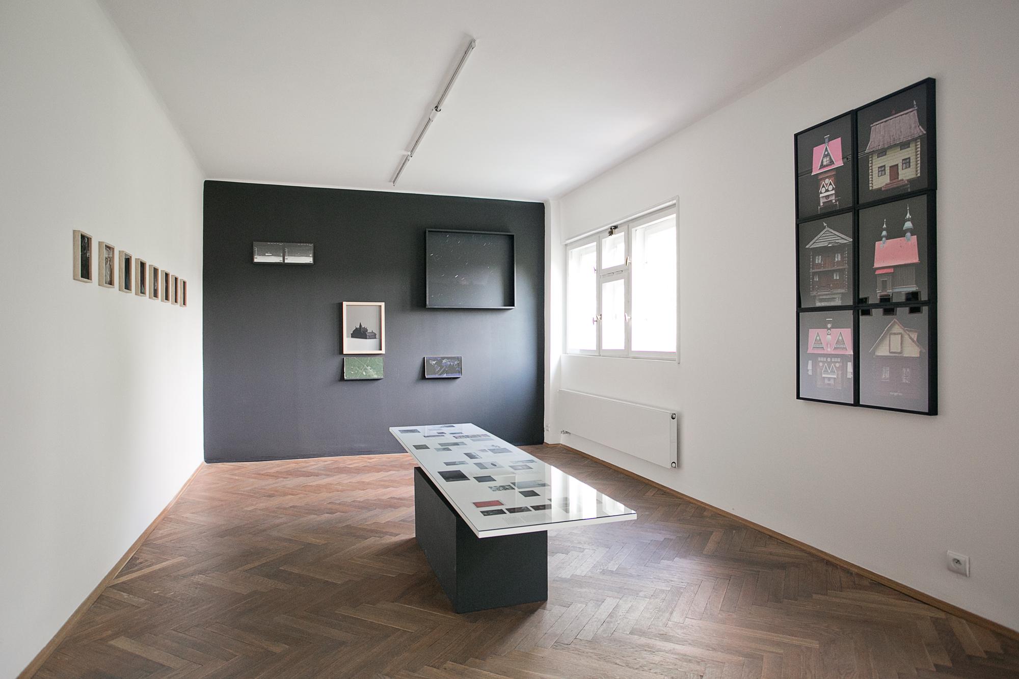 """Anna Orłowska, """"Niewidzialność - studium przypadku"""", galeria Asymetria"""