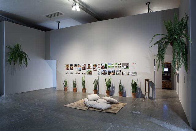 "Arthur Scovino, ""Casa de caboclo"", instalacja, fot.Pedro Ivo Trasferetti, Biennale São Paulo, 2014"