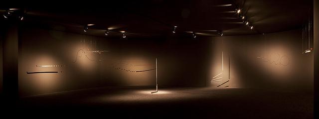 Widok panoramiczny nasalę zpracami Edwarda Krasińskiego, fot.Pedro Ivo Trasferetti, Biennale São Paulo, 2014