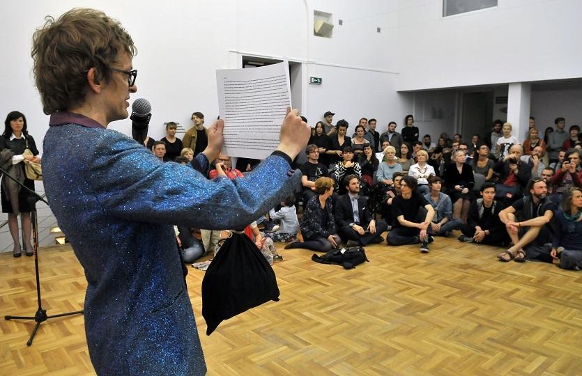 Oskar Dawicki, performance