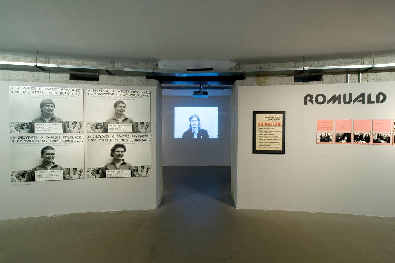 Awangarda niebiła braw. Romulad Kutera/Galeria Sztuki Najnowszej, widok nawystawę, Muzeum Współczesne Wrocław