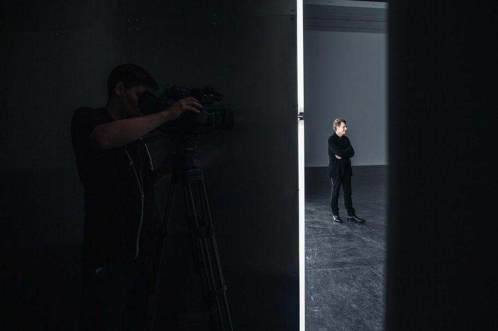 """Alfredo Jaar, Brzmienie ciszy, 2014, otwarcie wystawy wCSW """"Znaki Czasu"""" wToruniu, dzięki uprzejmości CSW iArtysty, fot.Natalia Miedziak"""