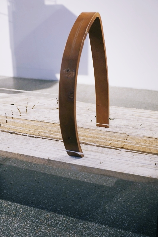 Abraham Cruzvillegas,  Autodestrucción6: Chichimecachubo: Matzerath@S13, 2014, detal, Gdańska Galeria Miejska, fot.Krzysztof Olechnowicz