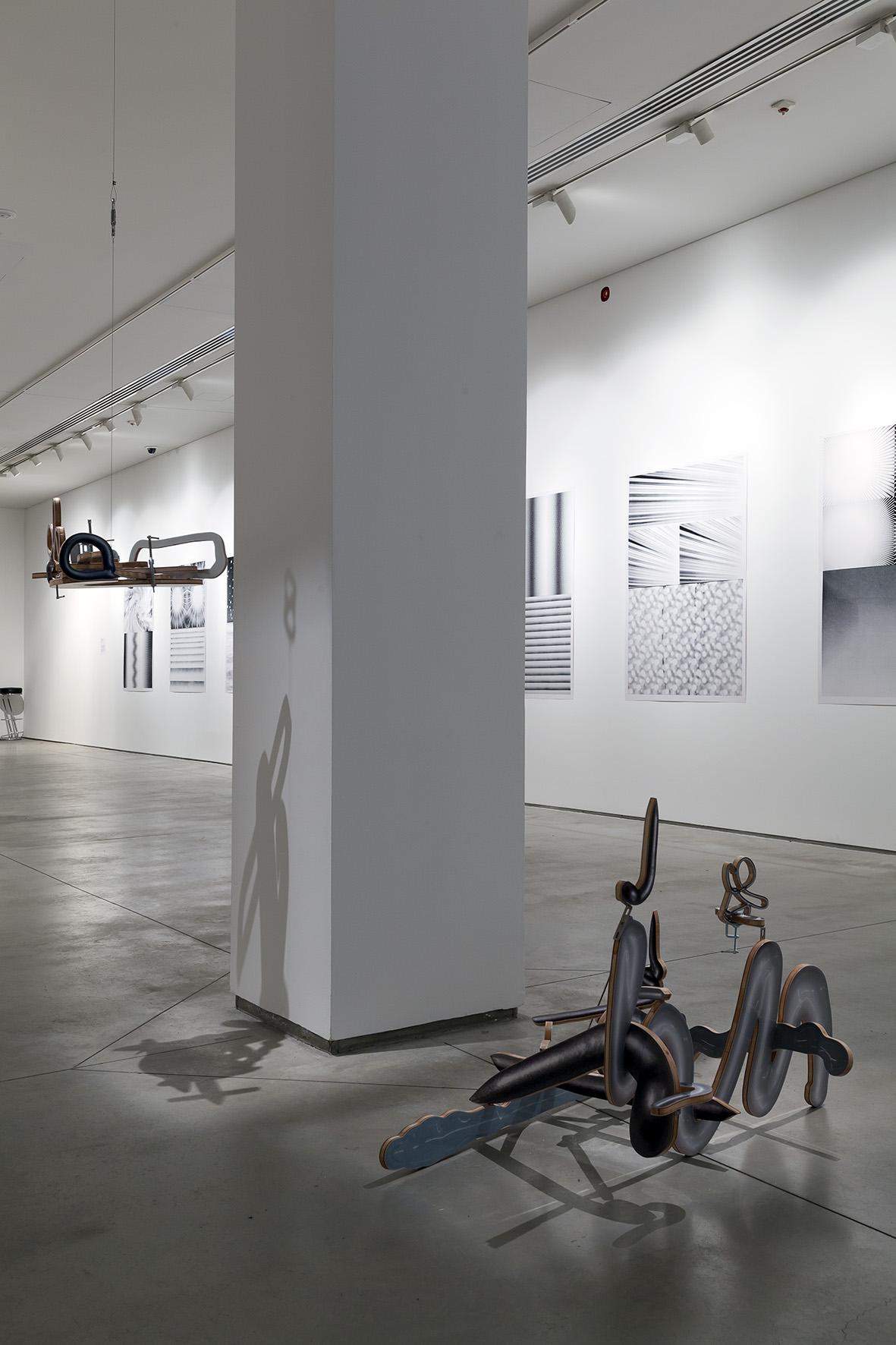 Teppei Kaneuji, Duch wpłynnym pokoju (metal #1–3), 2014, 3 obiekty