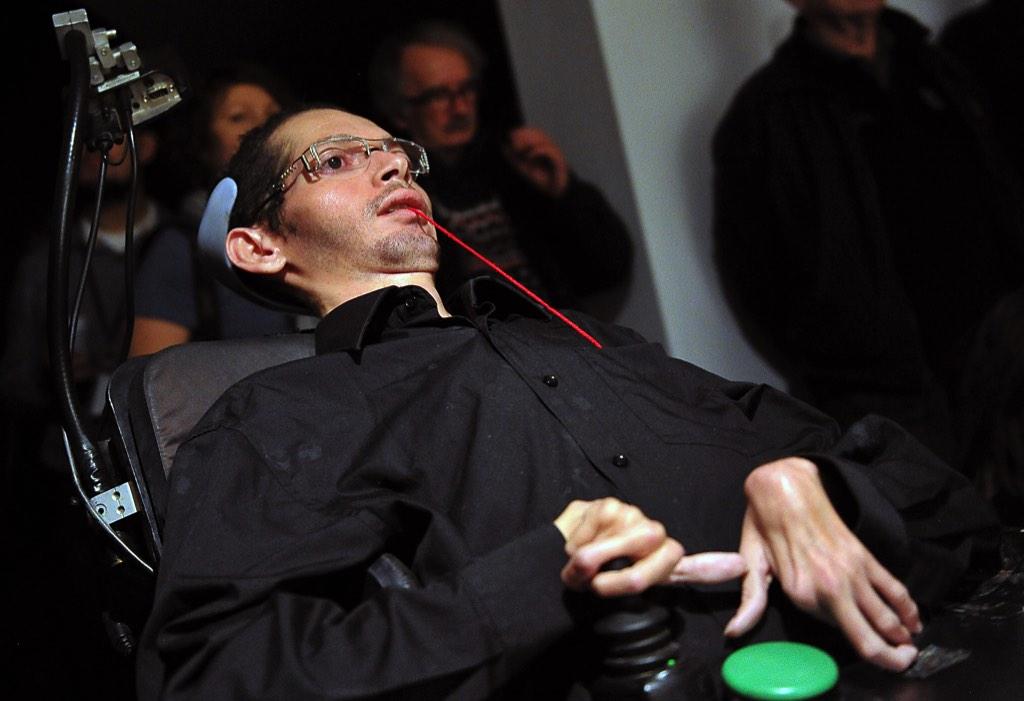 Kamil Guenatri, Body Slang. Dwubiegunowe Międzynarodowe Spotkania Performerów wSopocie, 9 stycznia 2015 r.