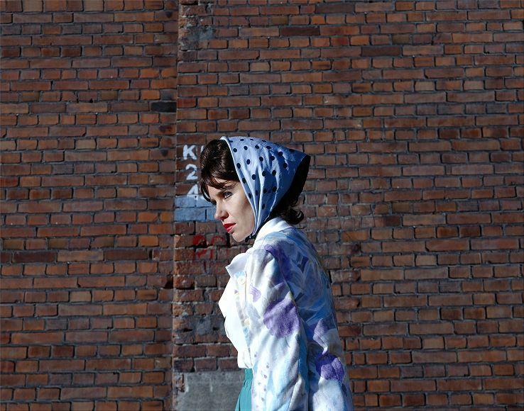 Aneta Grzeszykowska, Untitled Film Still #7, 2006, odbitka barwna, dzięki uprzejmości Galerii Raster, Warszawa