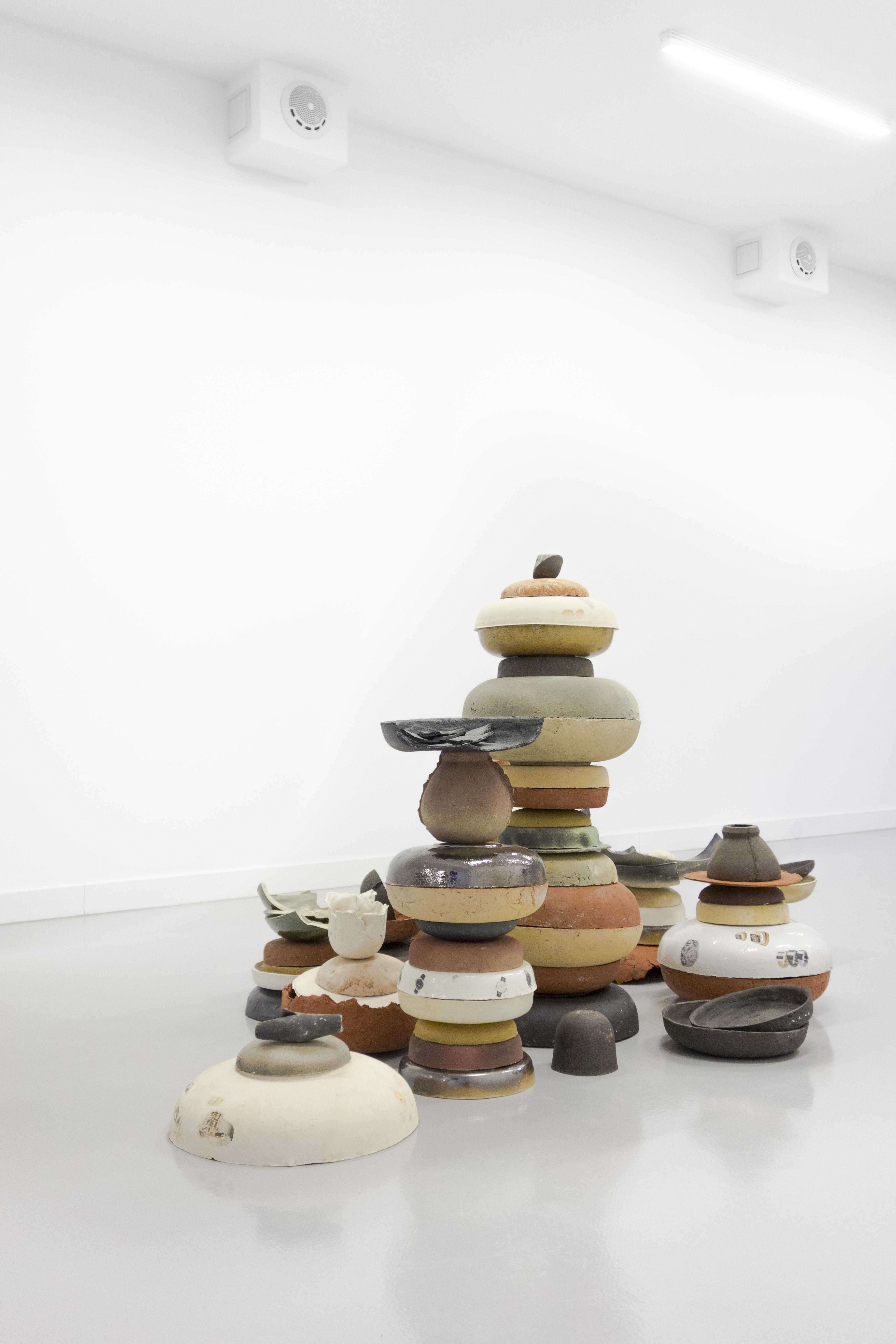 Thomas van Linge, Untitled (Bowls), 2014, wymiary zmienne