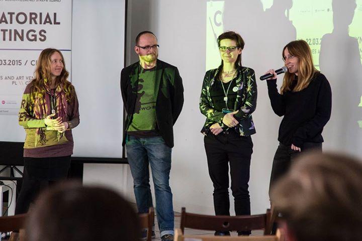od lewej: Zuzana Štefková, Łukasz Dziedzic, Joanna Rzepka-Dziedzic iAga Pindera, Curatorial Meetings /Spotkania kuratorskie Cieszyn 2015