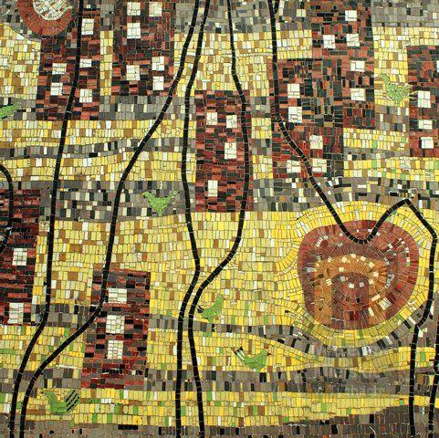 Mozaika nabudynku Teatru Małego wTychach. Projekt Janusz Włodarczyk. Realizacja Janusz Włodarczyk iFranciszek Wyleżuch, 1964, fot.Patryk Oczko