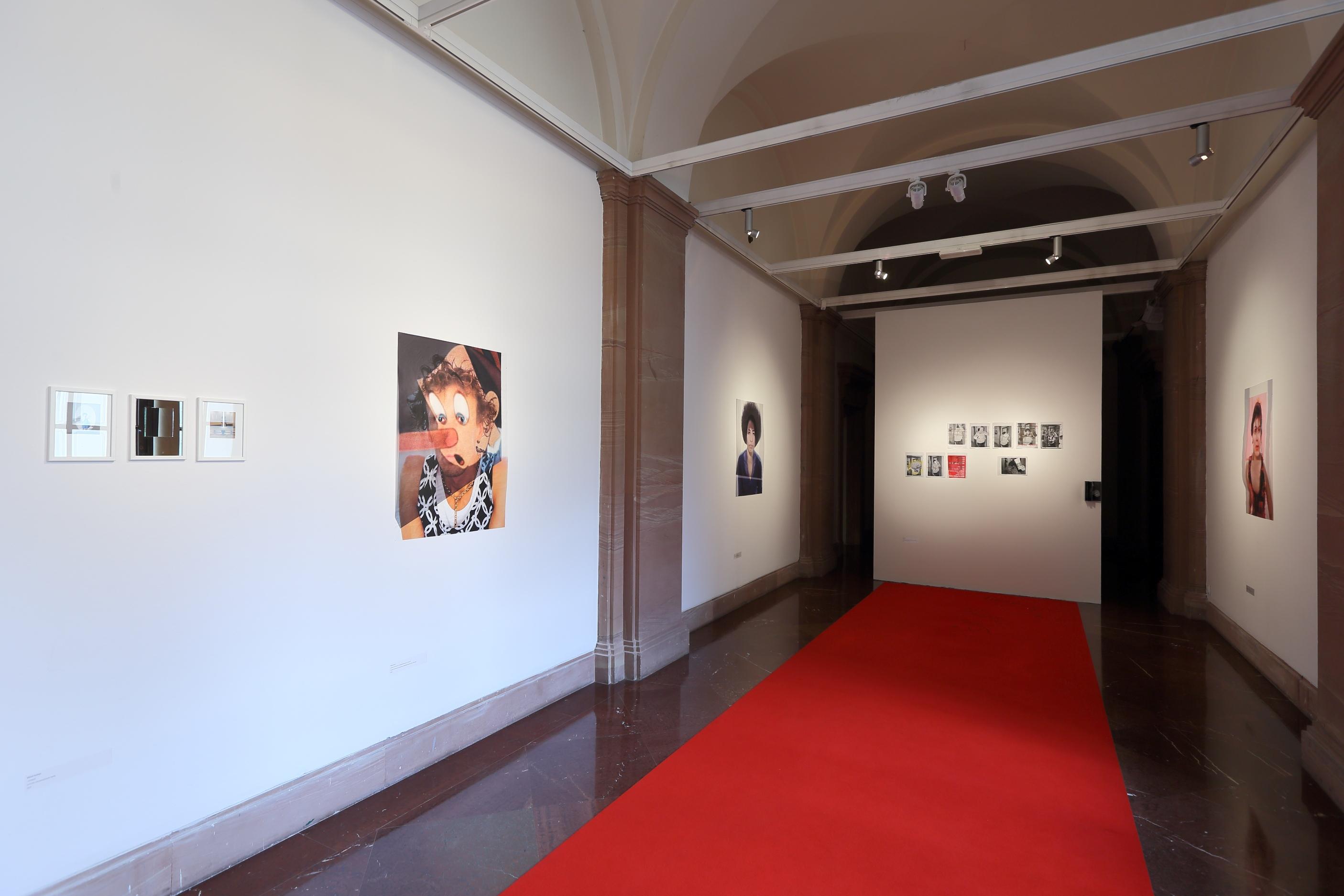 Wystawa Ja/ty/on/ona/oni, Galeria Fotografii pf