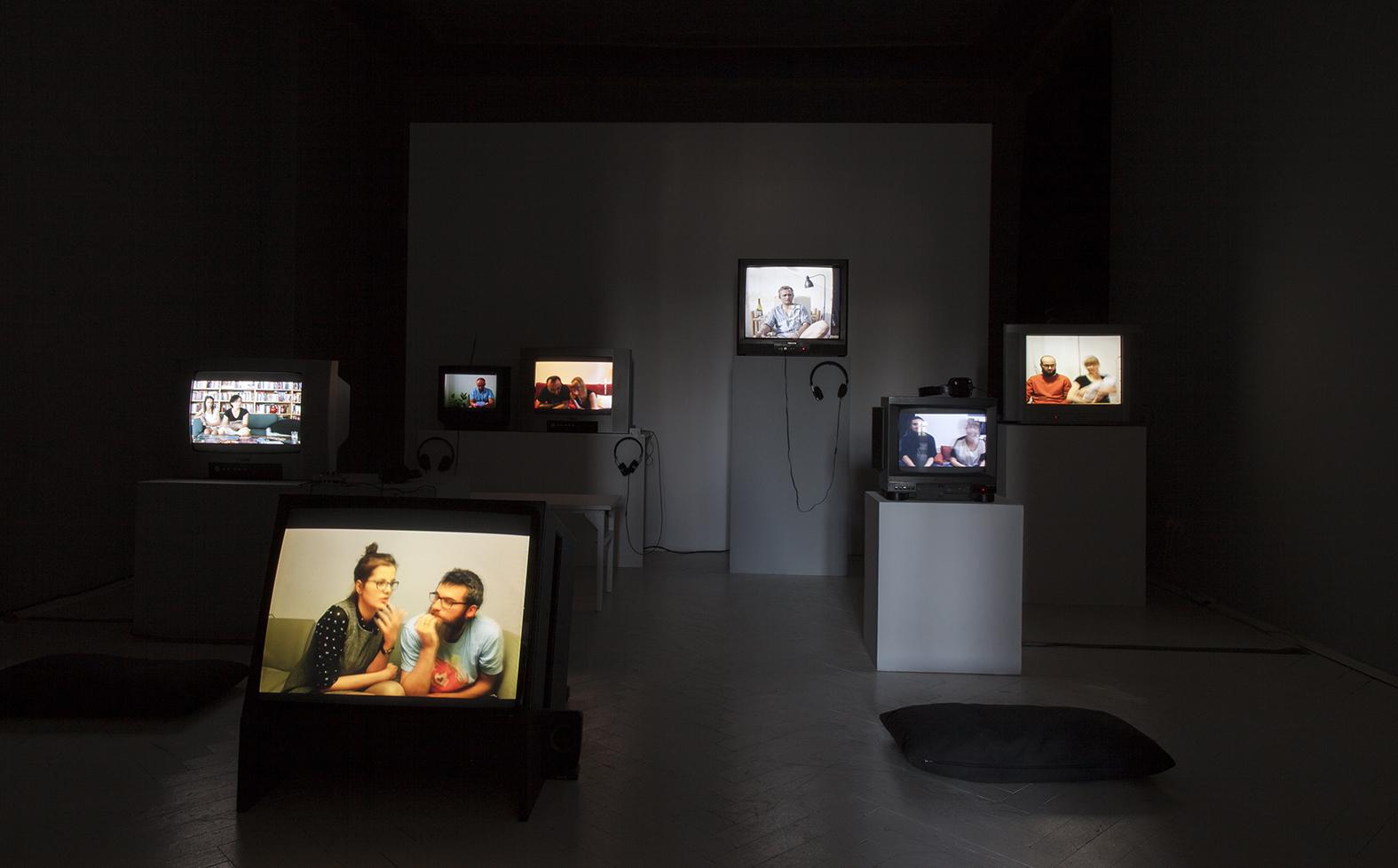 Prezentacja wideo nagranego podczas rozmów zuczestnikami projektu przezAleksandę Czerniawską iAnnę Panek