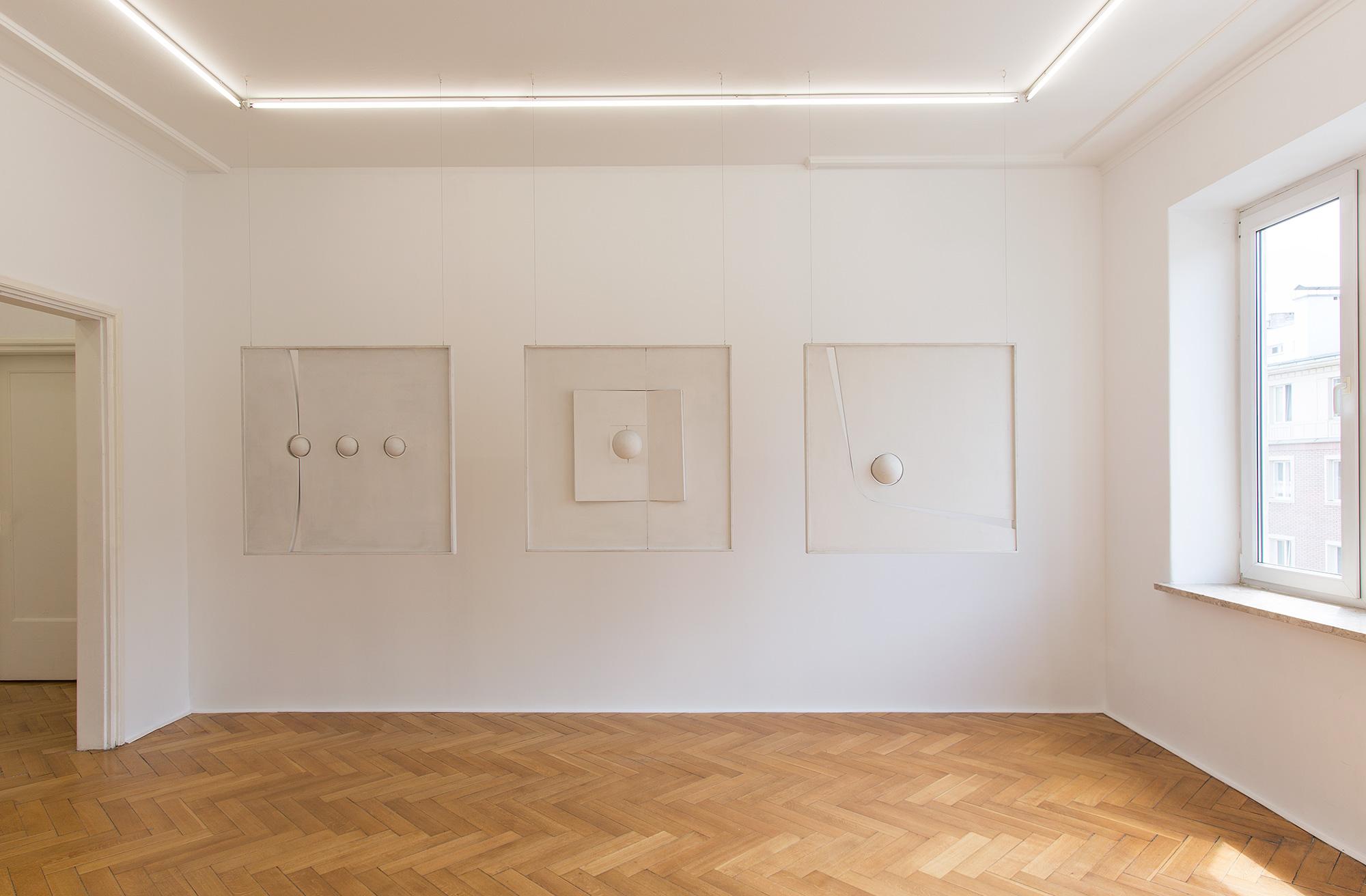 Ignacy Bogdanowicz. Krytycy, plastycy, Koszalin, widok nawystawę, galeria Kohana