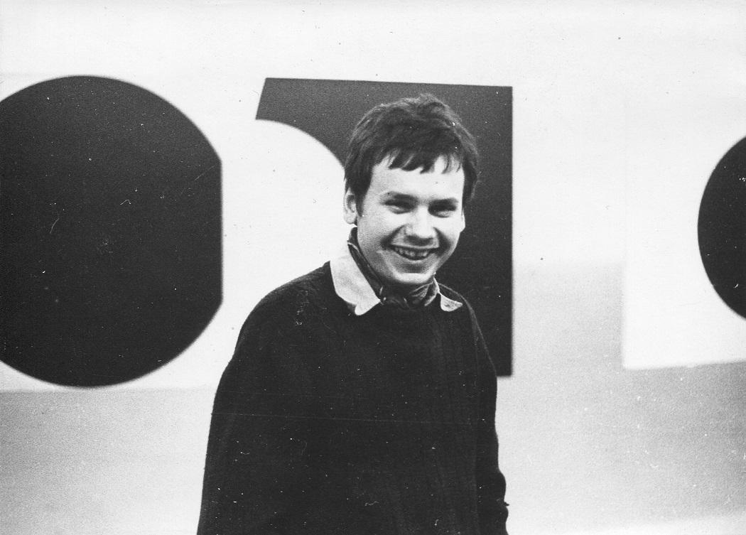 Piotr Piotrowski naotwarciu wystawy Jerzego Kałuckiego, Galeria Akumulatory 2, grudzień 1973
