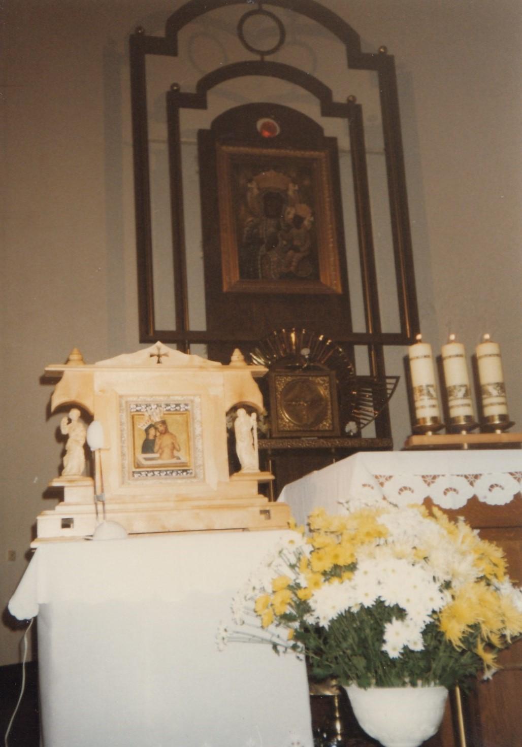 Kościół podwezwaniem Matki Boskiej Częstochowskiej, 1999