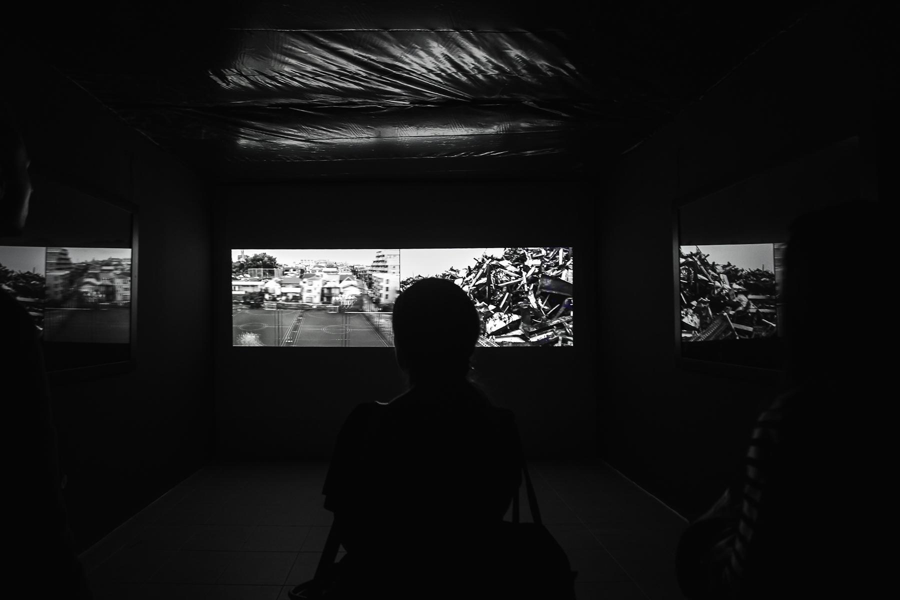 Angelika Markul, Welcome toFukushima, instalacja - fotografie, 126,5 x 164 cm, video 06 32, 2013, dzięki uprzejmości artystki igalerii Leto