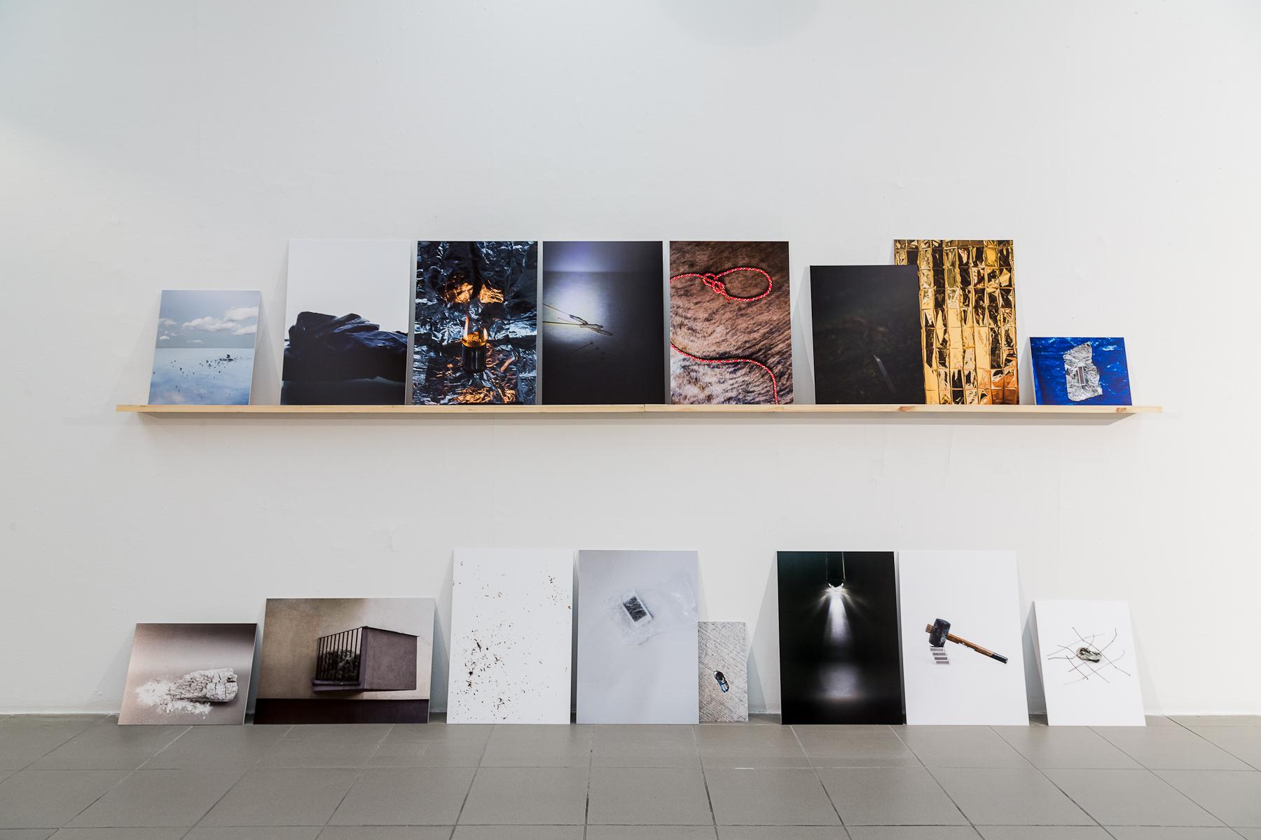 Magdalena Lazar, Prawdziwe przedmioty, instlacja fotograficzna, 2015