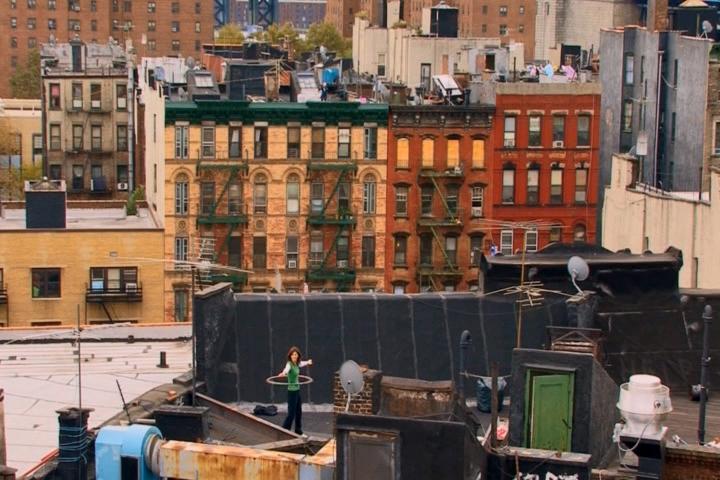 Christian Jankowski, Rooftop Routine, 2007 Kadr filmu, czas trwania: 4:30 Dzięki uprzejmości Studio Christian Jankowski, Berlin