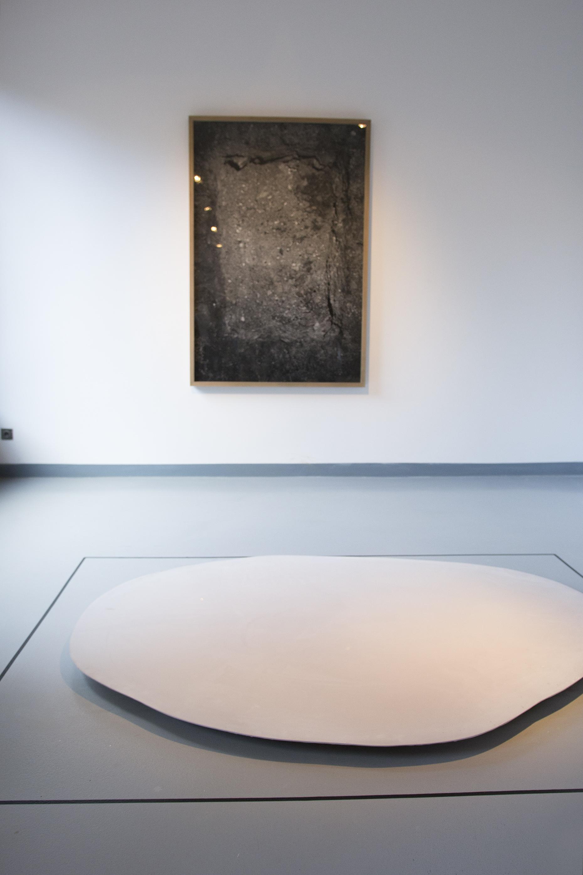 Witek Orski, Dziura wziemi, 2015; Agata Madejska, From Now On (Folly), 2014