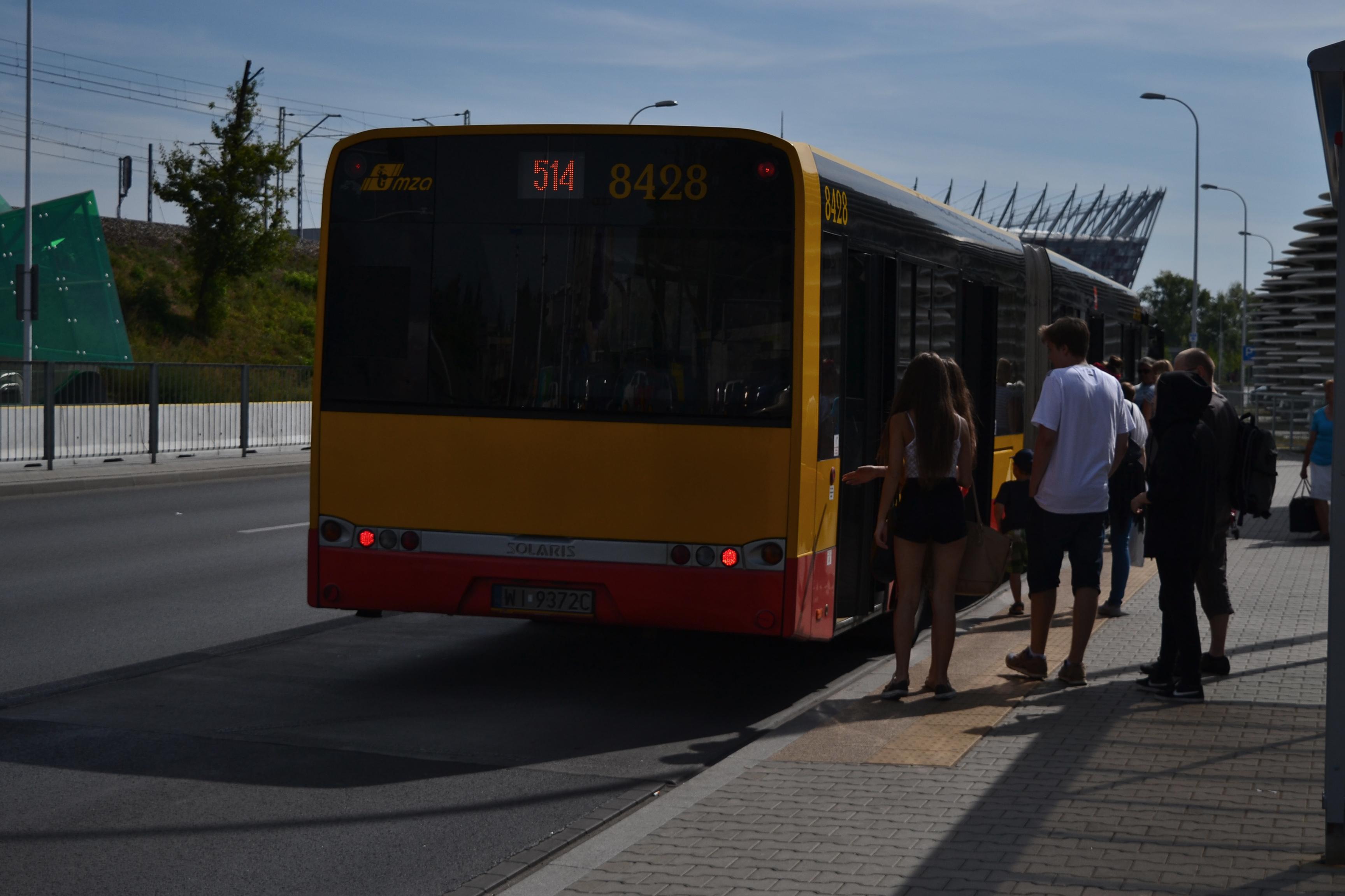 Wsiadam doautobusu 514 jadącego wkierunku Wesołej, 2015