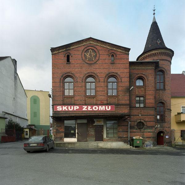 Wojciech Wilczyk, zcyklu Niewinne oko nieistnieje, synagoga wLubaniu