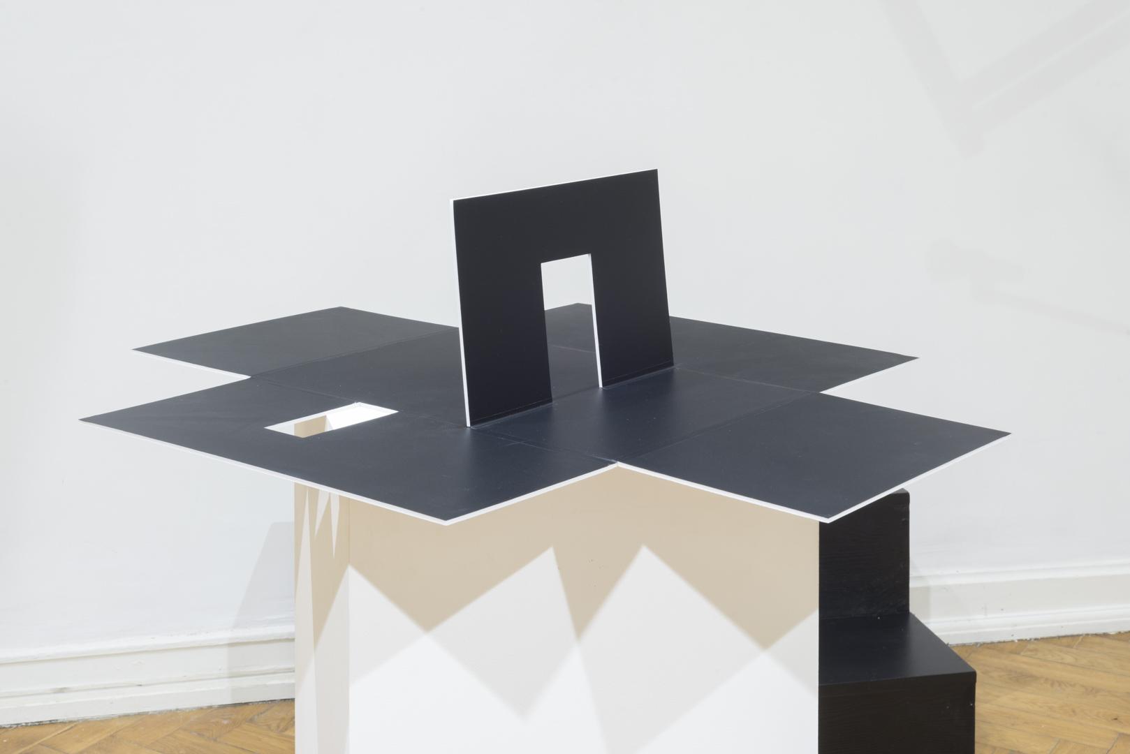 Justyna Scheuring, Zwycięstwo nadSłońcem, 2015, performance, instalacja, obiekty różne
