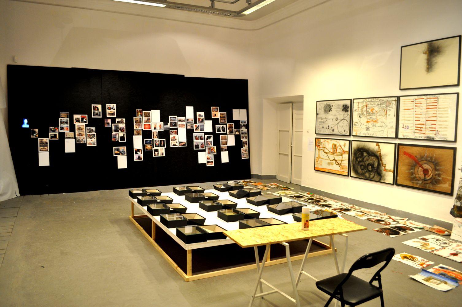 Lektury, widok wystawy, Galeria Salon Akademii