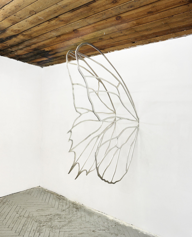 Laurie Kang, Wing I, II, 2015, aluminium