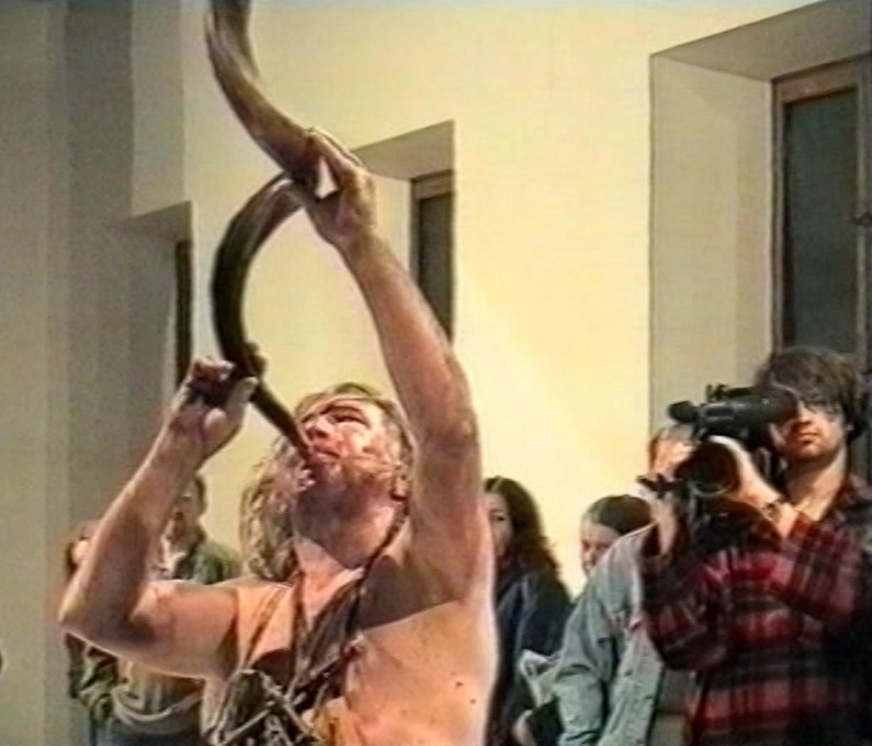 Zbigniew Warpechowski, performance Róg Pamięci, CSW, 1997, dok. Z. Rytka