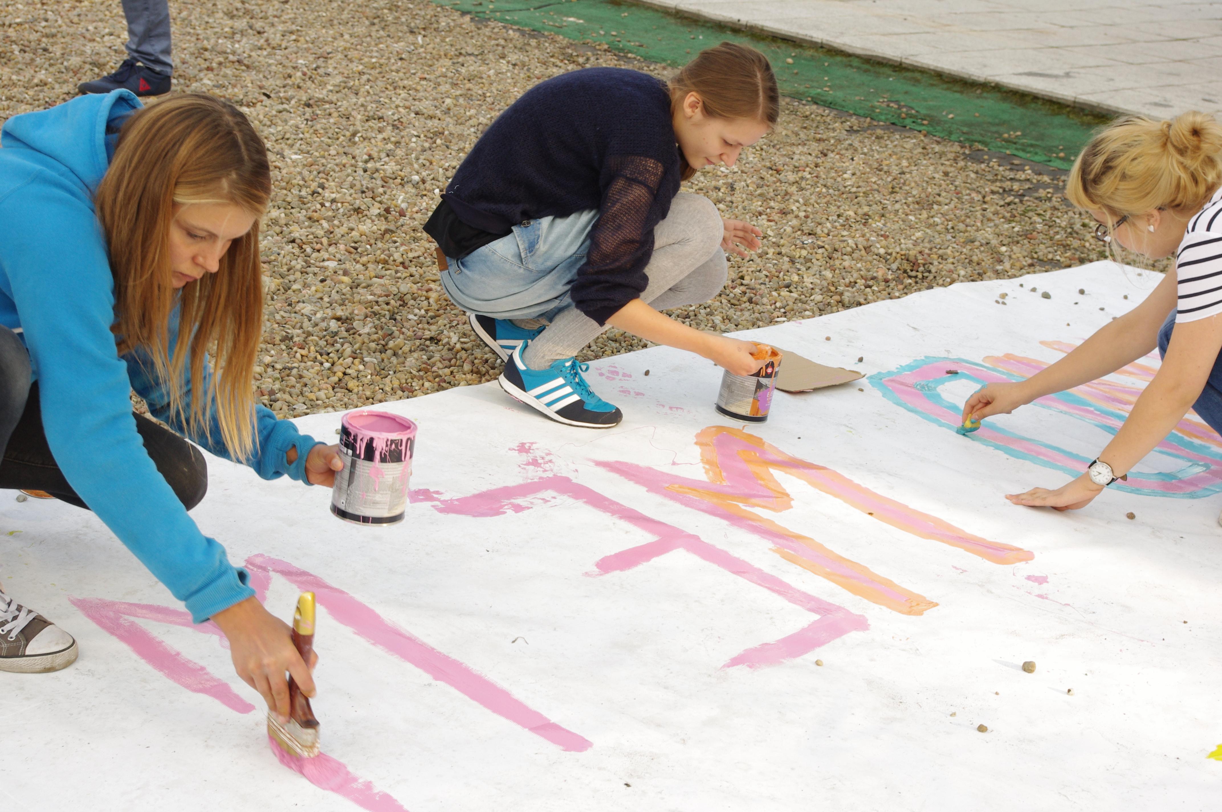 D. Dabrowski Sztuka krytyczna wdziałaniu, akcja przeciwstawiająca się marszowi przeciw uchodźcom