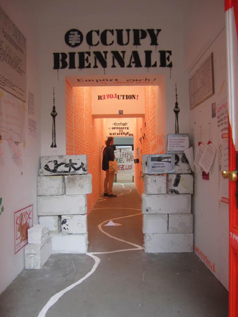 """7. Berlin Biennale """"Forget Fear"""", widok wystawy"""