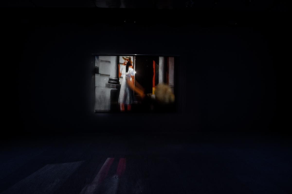 Nowy Jork idziewczyna, widok wystawy