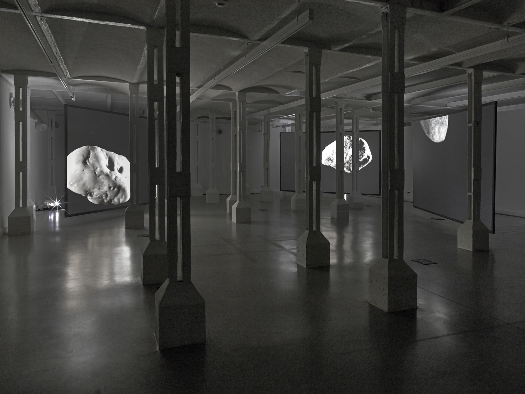 Alicja Kwade, Thoas, Agrios, Gration, 2009, fot.Roman März