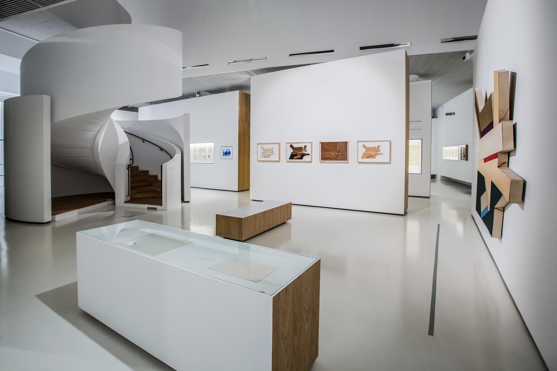 Frank Stella isynagogi dawnej Polski, widok wystawy
