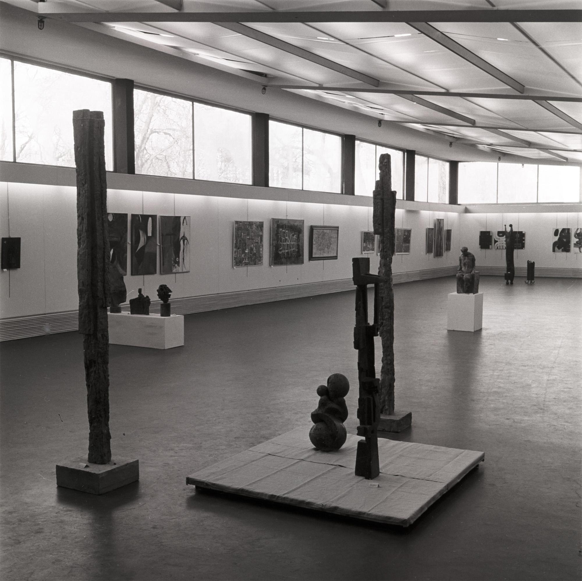 Przestrzeń ekspozycyjna naIpiętrze MPW, lata 60. XX wieku, fot.D. Zawadzki, zzasobu Archiwum Galerii Bunkier Sztuki