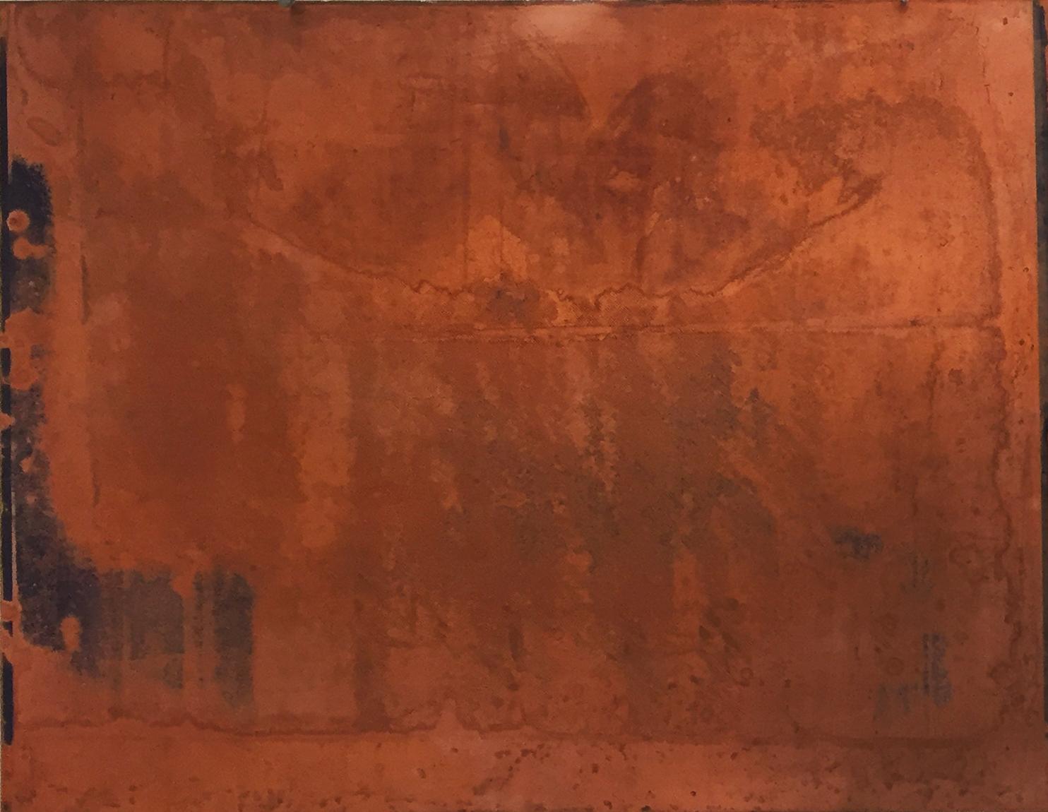 """Monika Niwelińska, Void (zserii """"Radioactive Landscapes""""), nieutrwalona emulsja światłoczuła – zapis postępującej entropii obrazu, naświetlanie UV, klisze negatywowe (dokumentacja przestrzeni popromiennych), folia światłoczuła Imagon, kwas azotowy, blacha miedziana, 2007-2015"""