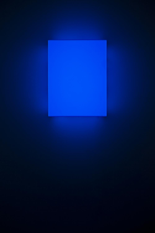 Leon Tarasewicz, beztytułu, plexi, LED 40×30×20 cm, 2016