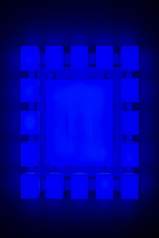 Leon Tarasewicz, beztytułu, plexi, LED 95×70×15 cm, 2016