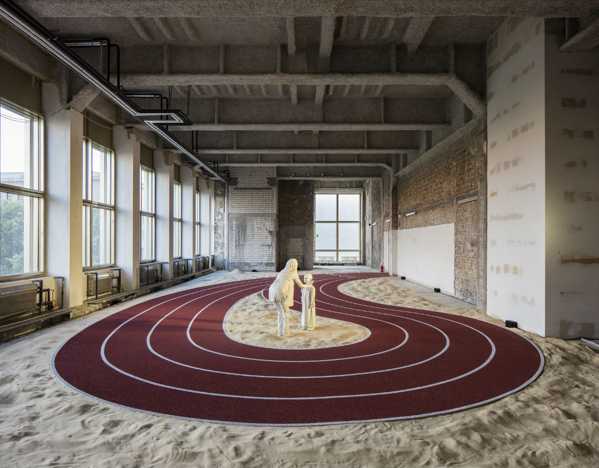 GCC,  دﺩرﺭوﻭبﺏ ٕاﺍﯾﻳجابﯿﻴة/ Positive Pathways (+), 2016, widok wystawy; 9th Berlin Biennale, fot.Timo Ohler