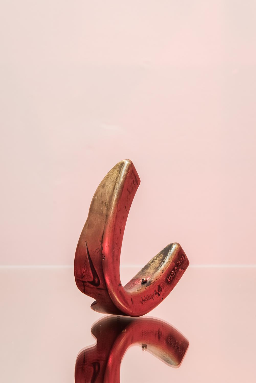 Piotr Skiba, Untitled (Nike Mouthguard), bronze die-cast, life-size, made in China, 2015, propozycja zakupu na2016 rok, dzięki uprzejmości artysty