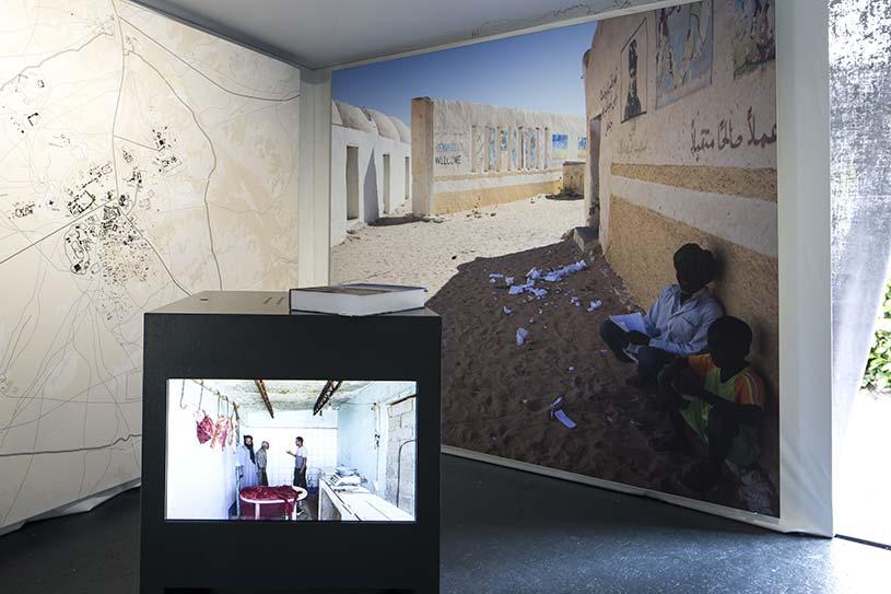 Manuel Herz Architects, Western Sahara, widok wystawy Reporting From the Front mat. prasowe Biennale Architektury