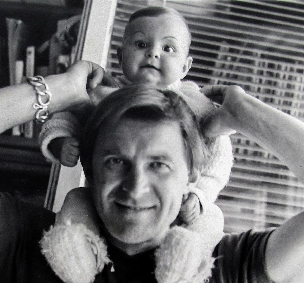 Edward Dwurnik zcórką Polą, 1979, fot.Teresa Gierzyńska