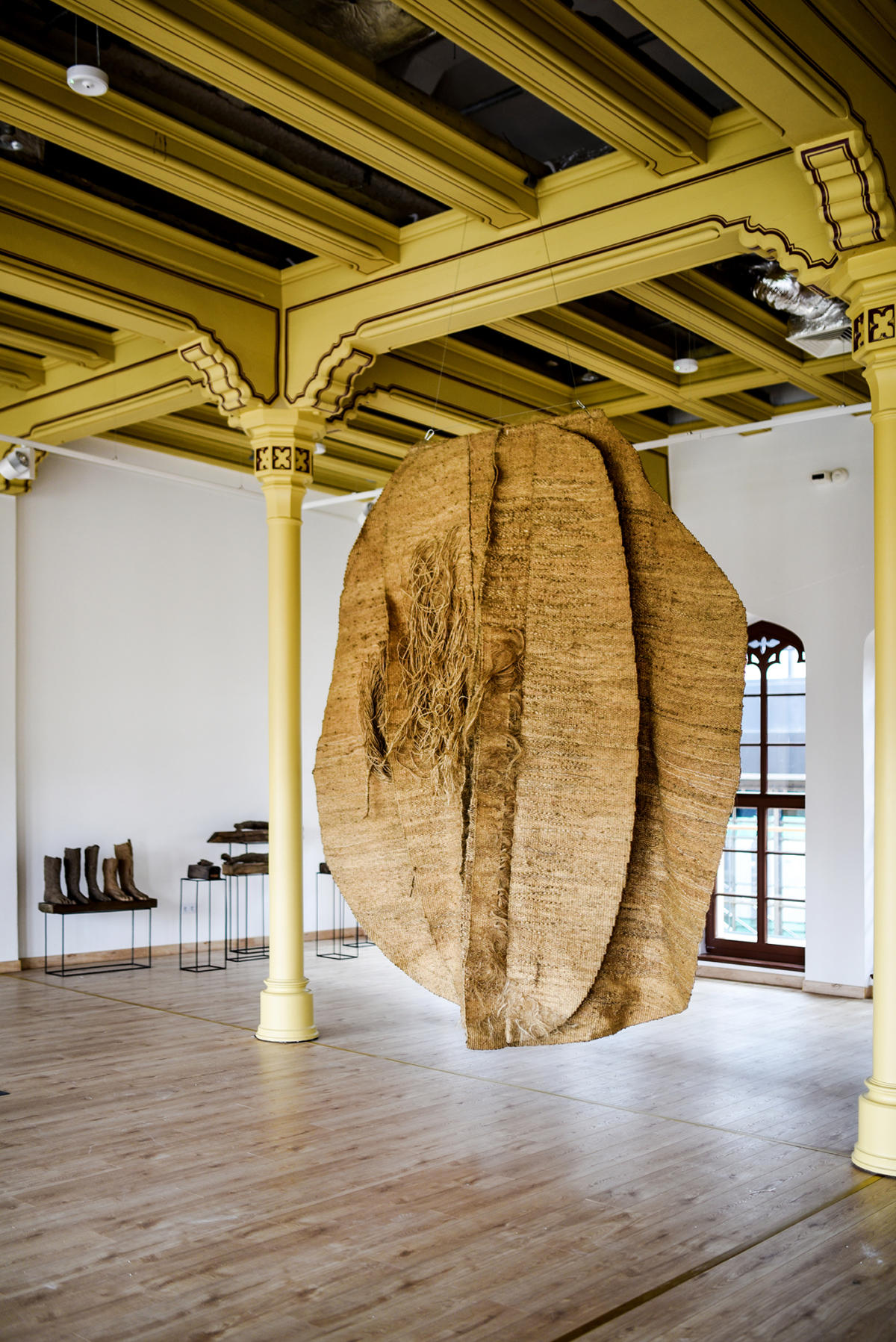 the life and times of magdalena abakanowicz Magdalena abakanowicz (born june 20, 1930, in falenty, poland) is a polish sculptor and fiber artist she is notable for her use of textiles as a sculptural medium she was a professor at.