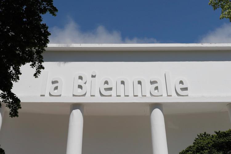 Biennale Architektury wWenecji przesunięte na2021 rok, Biennale Sztuki w2022 roku