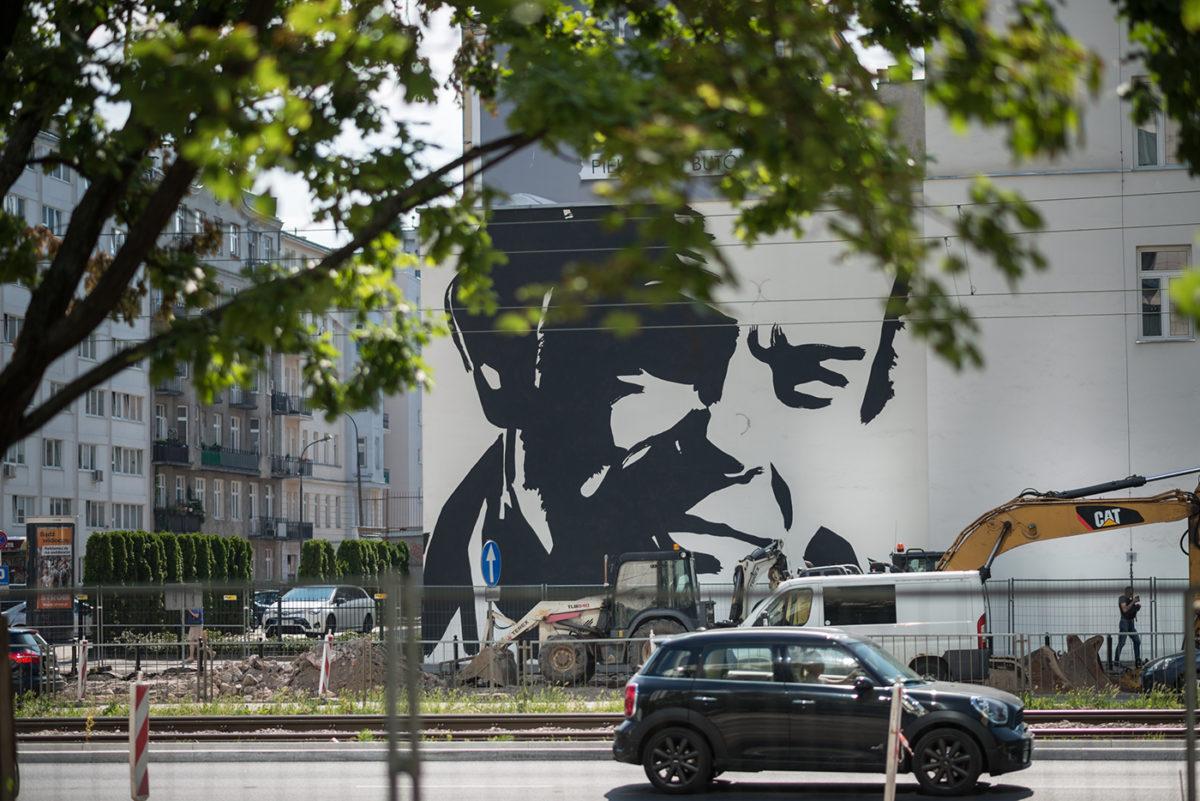 Mural pamięci Jacka Kuronia autorstwa Wilhelma Sasnala